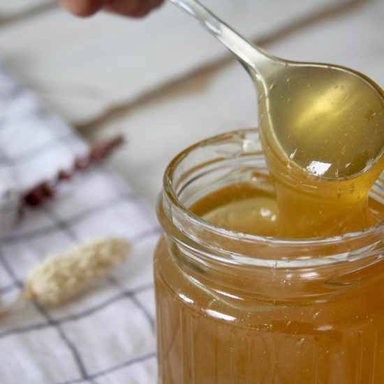 """Top benefits of honey for your hair"""